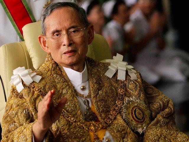 thailan-mourns-worlds-longest-reigning-mornarc