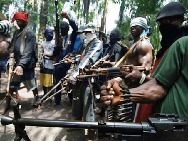 fg-blames-niger-delta-militants-for-recession