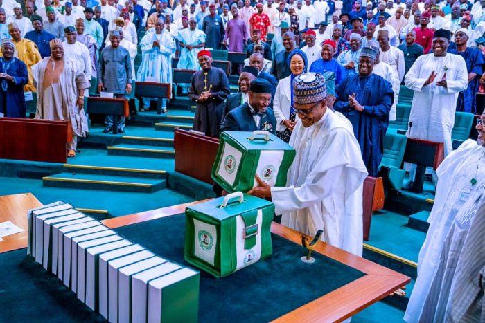 Buhari present 2020 budget
