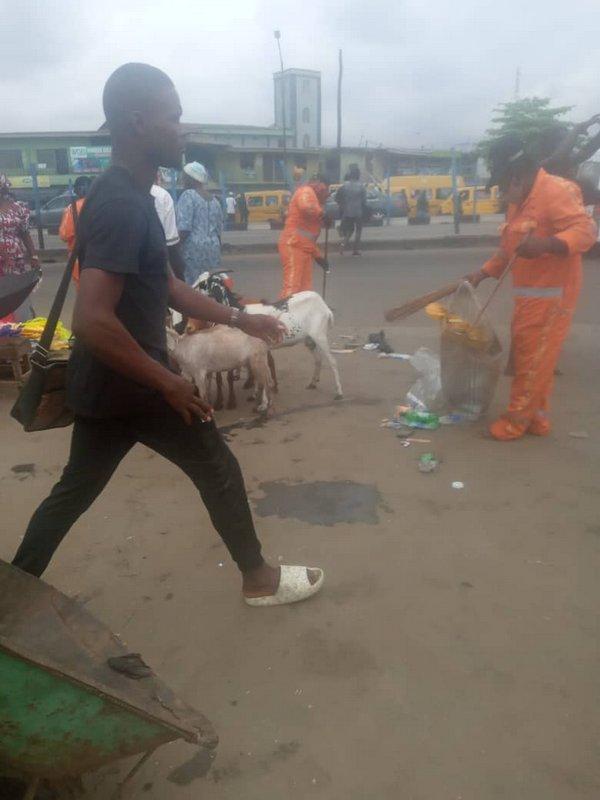 Lagos highway sweepers