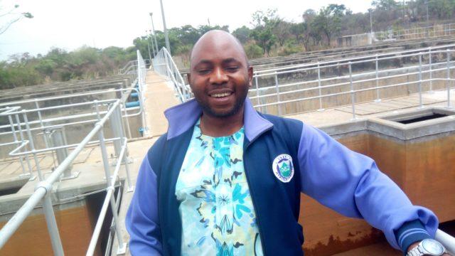 Senior Laboratory Technologist at the Ero Dam in Ekiti State Victor Oyebola. Photo credit: Marcus Fatunmole/The ICIR