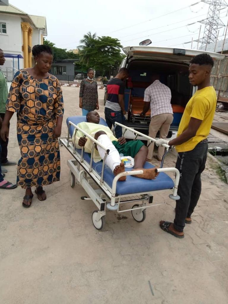 Olalekan Falaye being tranfered to Igbobi hospital